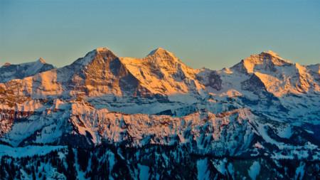 Eiger, Mönch und Jungfrau mit Zwischenlandung am Vierwaldstättersee