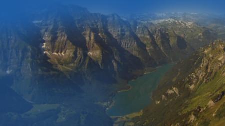 12 Seen und 6 Gletscher mit Landung auf über 3'000 m. ü. M.