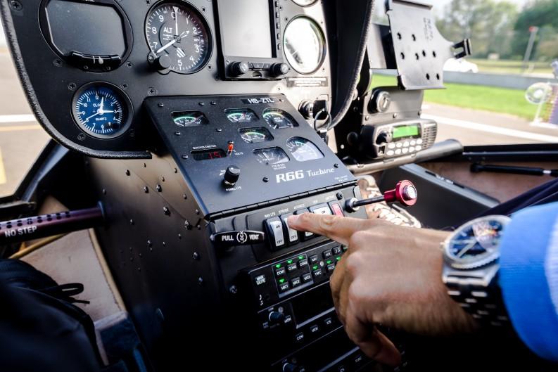 Cockpit R66
